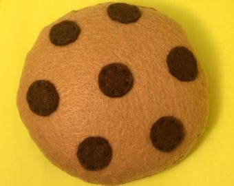 COCOACOOKIE• Organic Catnip or Valerian Root Chocolate Chip Cookie • Vegan Felt Cat Toy • Gift