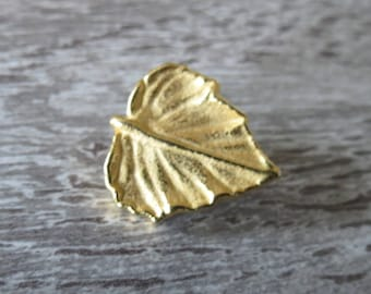 Button / Golden Pearl in the shape of leaf, embossed, real, 20mm, gold