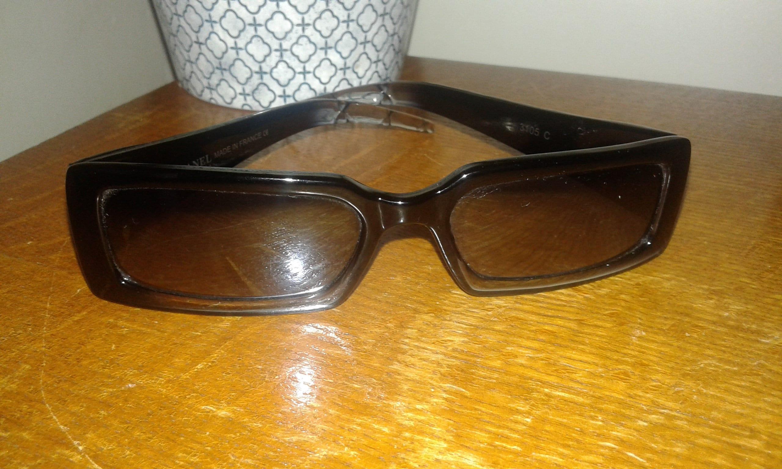 Chanel Vintage gesteppt Schwarz Sonnenbrille