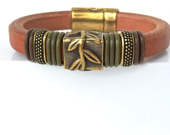 Leather Bracelet - Brass Bracelet  - Cuff Bracelet - Nature Jewelry - Leaf Bracelet - Fall Jewelry - Womens Accessories