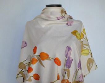 Vintage PRINTED SILK SCARF , hand rolled silk scarf ............(247)