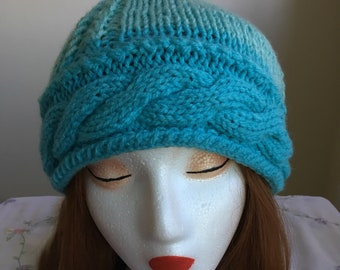Cable Brimmed Ombre Hat