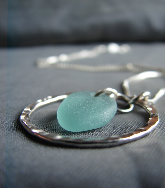 Sea Circle necklace in teal green