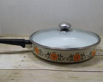 Vintage cooking Pan Pot with lid, 1960s-1970s, clean inside, vintage kitchen
