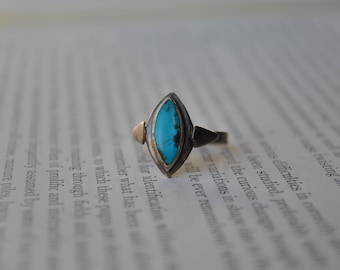 Vintage Sterling Turquoise Ring - 1960s Southwestern Sterling & Turquoise Ring
