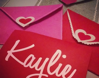 Personalized Valentine Felt Envelope.  GIFT. Be my Valentine.  Class party. School idea.