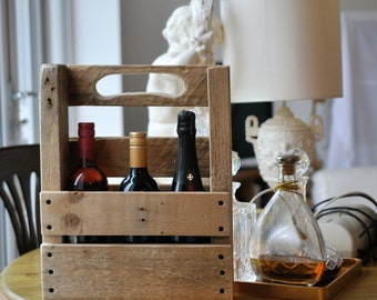Wooden Bottle Carrier - Rustic Wine Bottle Holder - recycled upcycled repurposed - Wine Bottle Caddy - Reclaimed Wood Wine Bottle Carrier
