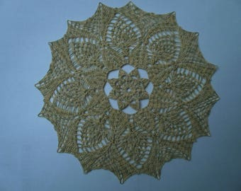N82 DOILY crocheted in cotton