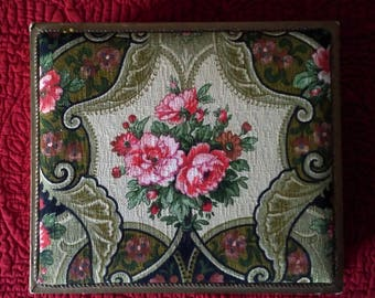 French padded box brocante fabric covered vintage good condition sewing boudoir bedroom display treasures jewellery gift