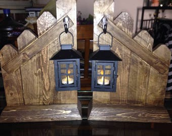 "Wood ""Fence"" Decor with Small Lanterns Candle Holders."