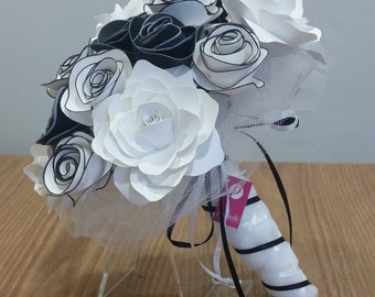 Black and white paper flowers Bouquet