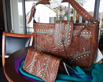 Purse, handmade shoulder bag, western purse, leather purse, hand tooled leather bag, American West bag. Two piece set, wallet and purse.