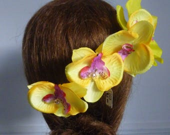 Yellow Orchid comb