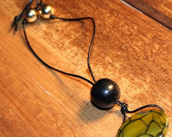 Green and Black Speckled Glass and Wood Beaded Necklace