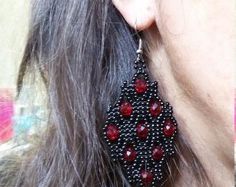 Crystal earrings, Beaded earrings, Black and red earrings, Elegant earrings, Fishnet earrings, Women's earrings, Women's gift, Nero e rosso