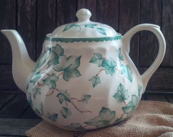 Swirl White/Green Ivy English Ironstone Large Teapot and Lid 2 1/2 Pint/6-8 Cups