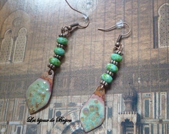 Ethnic earrings enameled metal, Pearl Czech Anissa Picasso and copper metal bead