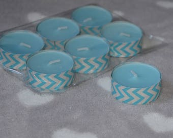 Set of 6 scented tealight candles and white zigzag pattern