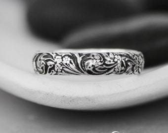 Wildflower Wedding Band - Sterling Silver Floral Wedding Band - Botanical Ring - Nature-Inspired Wedding Band - Unisex Commitment Band Ring