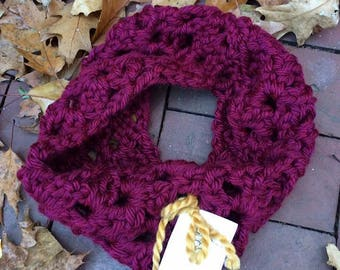 Infinity Scarf > Crochet Scarves > Cowl >Chunky Cowl > Chunky Crochet Scarf > Long Scarf > Infinity Knitted Scarves > Lucca Infinity Scarf