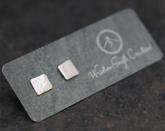 Square hammered Stud Earrings - minimalist  - Rustic - geometric - Silver Studs - Simple Studs