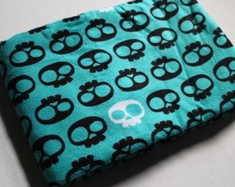 Destash Fabric, Skull Flannel