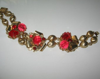 VINTAGE HUGE RED Rhinestone Bracelet Lucite 1950's Retro