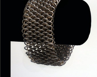 Bracelet Dragon chainmail, Chainmaille or, Bracelet Dragon, échelle de Dragon, Dragon Bracelet,
