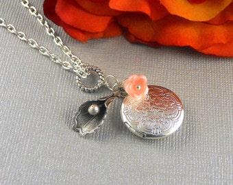 Lily Locket,Antique Locket,Silver Locket, Flower Locket, Botanical, Romantic Small Locket Necklace