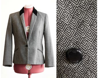 Diamond patterned tweed blazer with velvet collar
