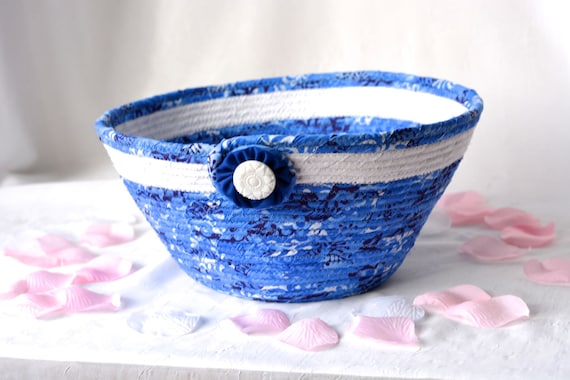 Blue Gift Basket, Handmade Key Holder Bowl, Mail Basket, Blue Fabric Fiber Bowl, hand wrapped coiled fabric basket, quilted rope bowl