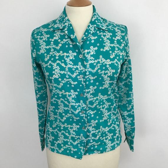1970s blouse vintage daisy print polyester UK 12 shirt flower power Mod GoGo Scooter Girl turquoise green 70s