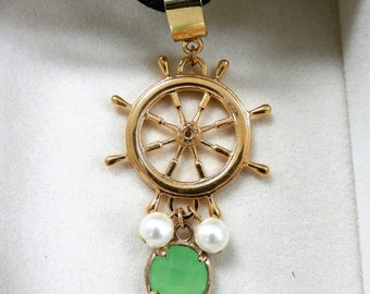 Steering wheel  - pendant with charm and pearls