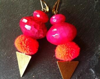BO stone Agate beads pink, red orange PomPoms, triangle arrow metal