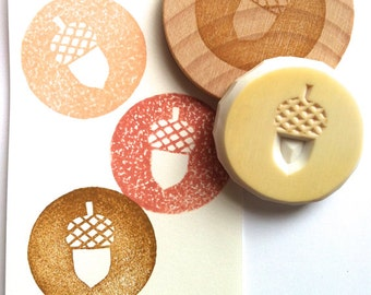acorn stamp | circle rubber stamp | autumn woodland crafts | diy christmas scrapbooking | gift wrapping | hand carved stamp by talktothesun