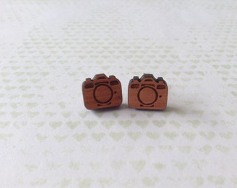 Wooden Camera Earrings - 1x pair of cherry wood earrings wih camera design - 11mm wooden camera on surgical steel post - photographer gift