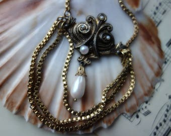 Vintage necklace, long necklace in Baroque and Rococo style, beautiful for theatre, Castle Festival, theme Party or carnival