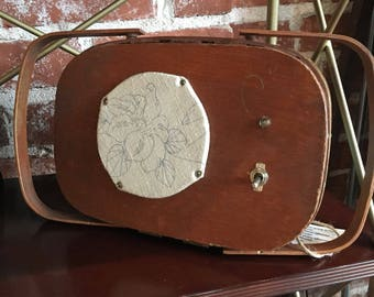 Patty the Bluetooth sewing box speaker