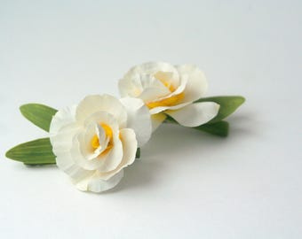 White daffodil flower hair clip Narcissus hair flower real touch Daffodil wedding Spring flower for hair Bridal daffodils Flower girls white