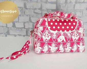 Handmade Wonder Woman Handbag - Wonder Woman 60's Style Purse - Retro Style Pink Handbag Purse - Handbag Lunchbag - Pink Wonder Woman Purse