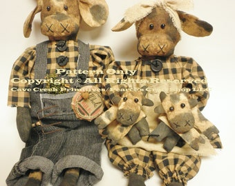 Primitive Cow Family with Calves Pattern, Holstein Cows, Cow Patterns, Primitive Animals, Animal Patterns, Primitive Dolls, Doll Patterns