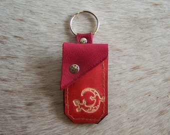 Keychain leather deco red leather bag, decorated with a lizard