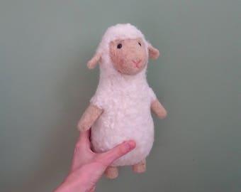 needle felted animal, sheep toy, Music Box, baby toys, soft toy, music plushie, baby shower gifts, muziekdoosje, stuffed animals, woolen
