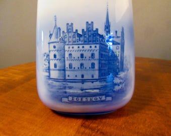 Royal Copenhagen bottle, Egeskov castle