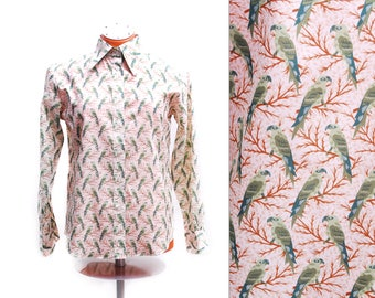 Vintage Liza Gaye blouse, beige long sleeve top with colorful green parrot birds, animal pattern, polyester fabric, 1970s women's fashion