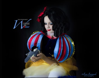 SNOW WHITE Dress - Girls Snow White Costume, Snow White Cosplay, Girls Halloween costume Tweens  in Red, Blue & Yellow