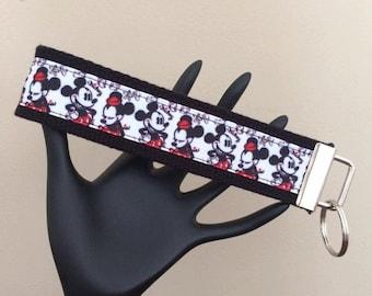 Wrist Strap Key Fob/Mickey & Minnie