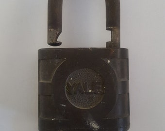 Vintage 1950's The Yale and Towne Mfg. Co. heavy brass padlock,  hardened steel shackle,  single key