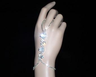finger Bracelet - Rhinestone Chain wiggle pattern - Crystal - Finger Bracelet