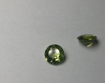 Peridot round faceted stone 1pc 4.6mm